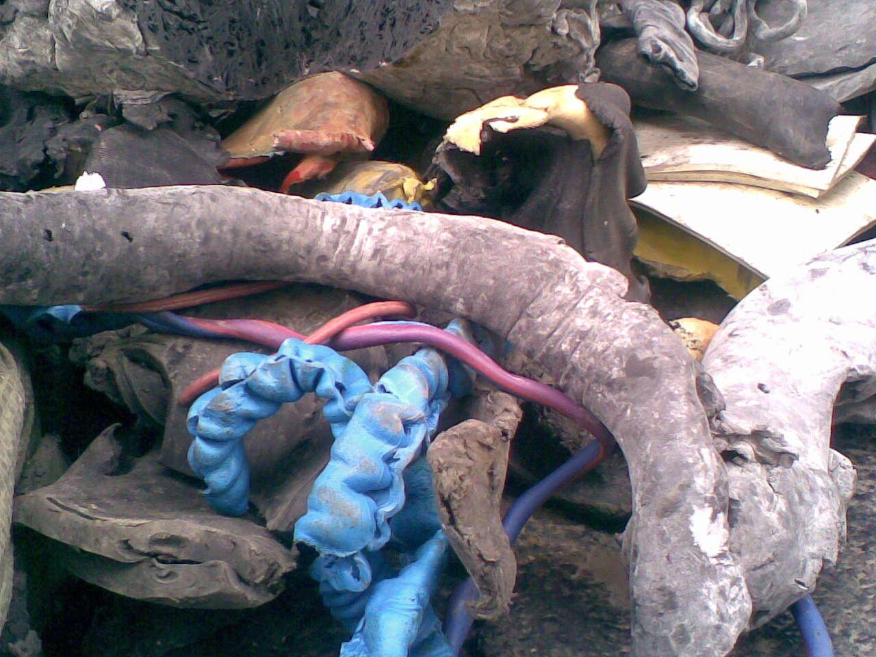 Unvulcanized rubber cable